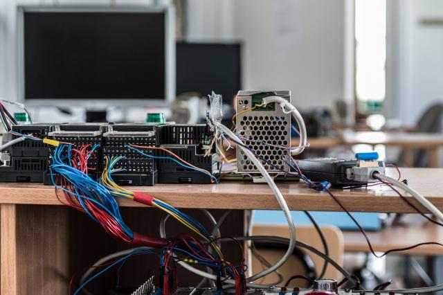 electronics-2791673